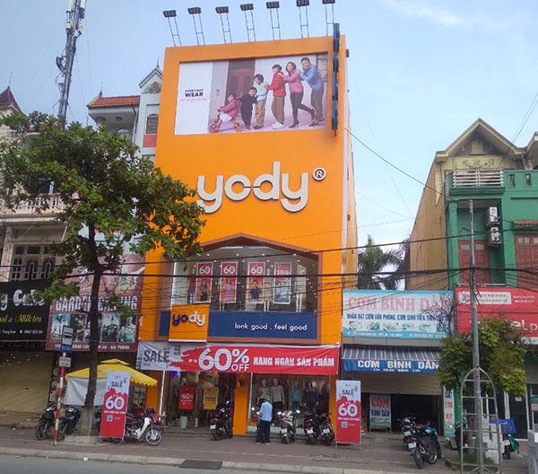 Thi công lắp đặt biển pano hệ thống cửa hàng Yody Hải Phòng