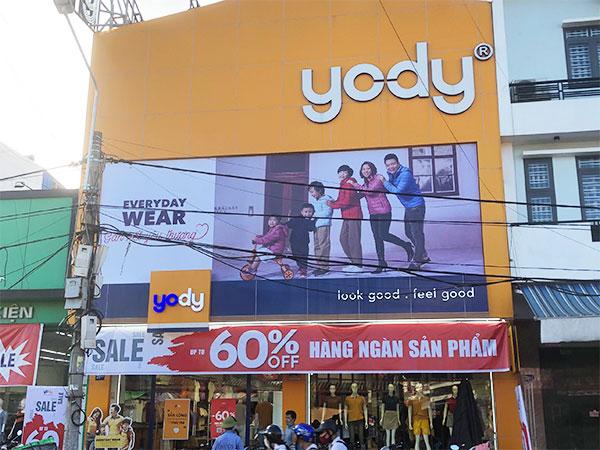 Thay biển pano hệ thống cửa hàng Yody Hải Phòng